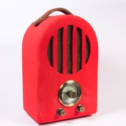 curve ceramic radio